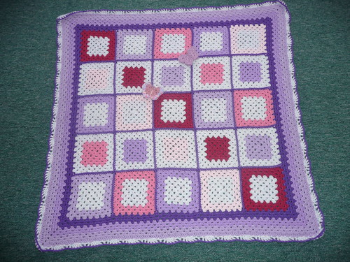So pretty! Love the colours in these Squares!