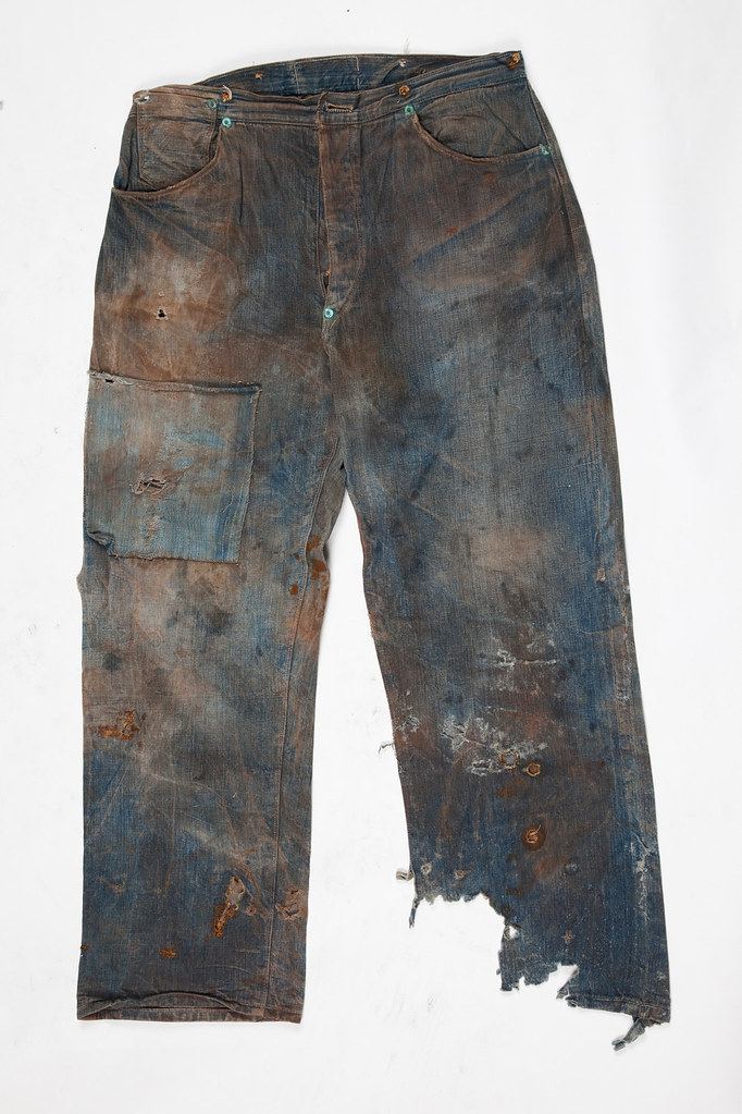 pest analysis on levis jeans Levi strauss & co is a famous apparel company which has 4 major brands  under it levi's, signature, denizen and dockers the levi's denim.