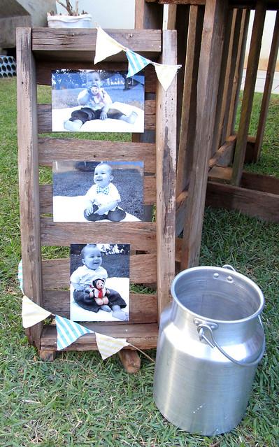 Painel de fotos, balde de leite