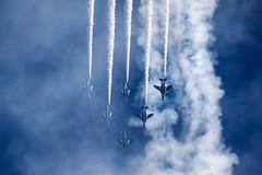 [フリー画像素材] 乗り物・交通, 航空機, アクロバットチーム, ブルーインパルス, 川崎 T-4, 青色・ブルー ID:201211300000