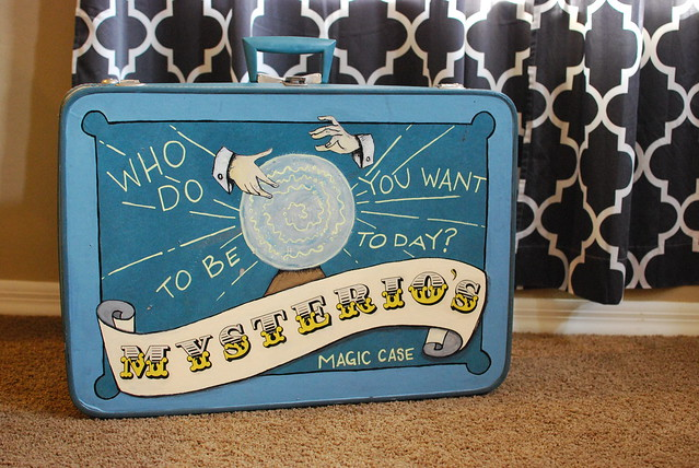 Magic Suitcase DIY