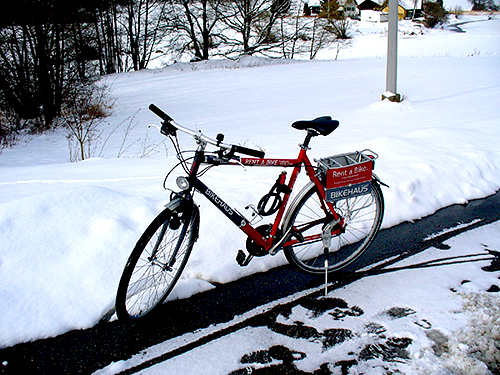 Riding a bike in snow at a travel destination to get around, in the middle of winter. is that being a savvy traveller or a stupid tourist ?