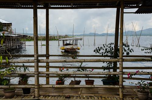 lake indonesia tou restaurant boat raw northsulawesi manado tumou tondanolake danautondano nikond7000 yemaria