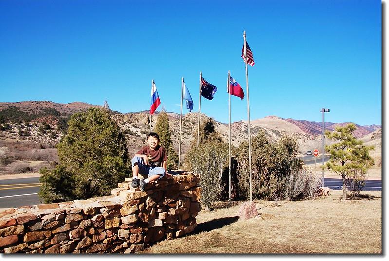 在美國公園看到國旗飄揚不容易--遊客中心之旗幟