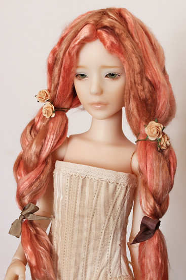 Heeah on brownish pink wig