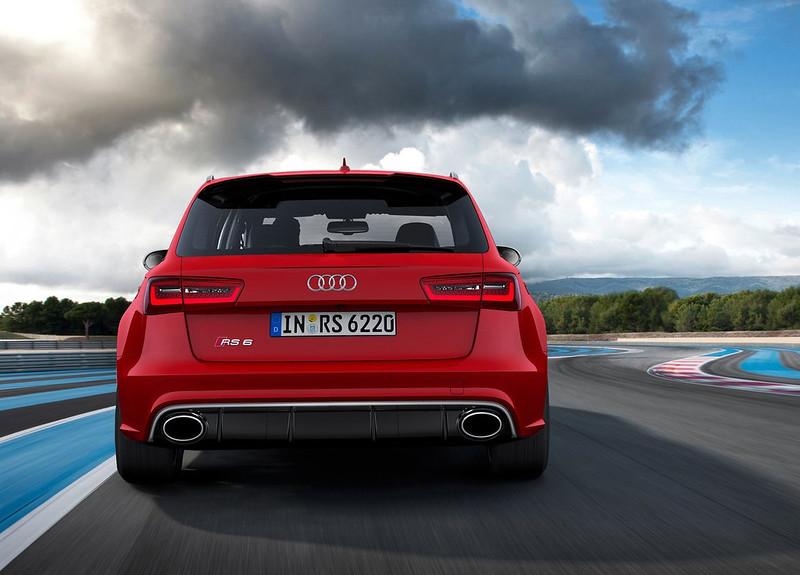 2013 Audi RS4 Avant Rear