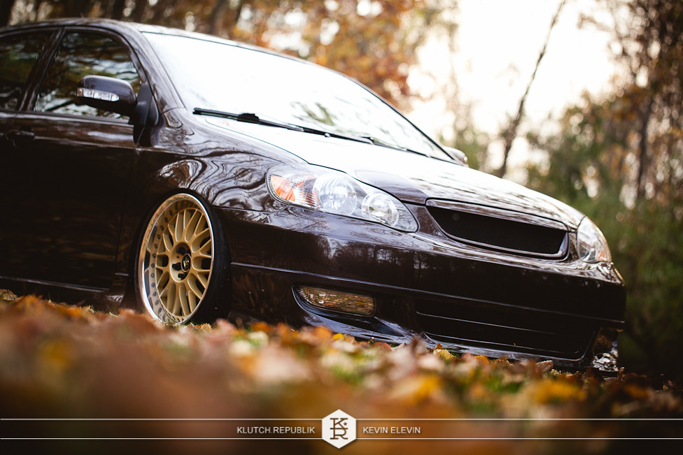 brown toyota corolla XRS 6 speed airlift v2 airrex bagged slammed stanced fitted hellaflush dope awesome unique work VS-XX gold wheels 3piece seen on klutch republik