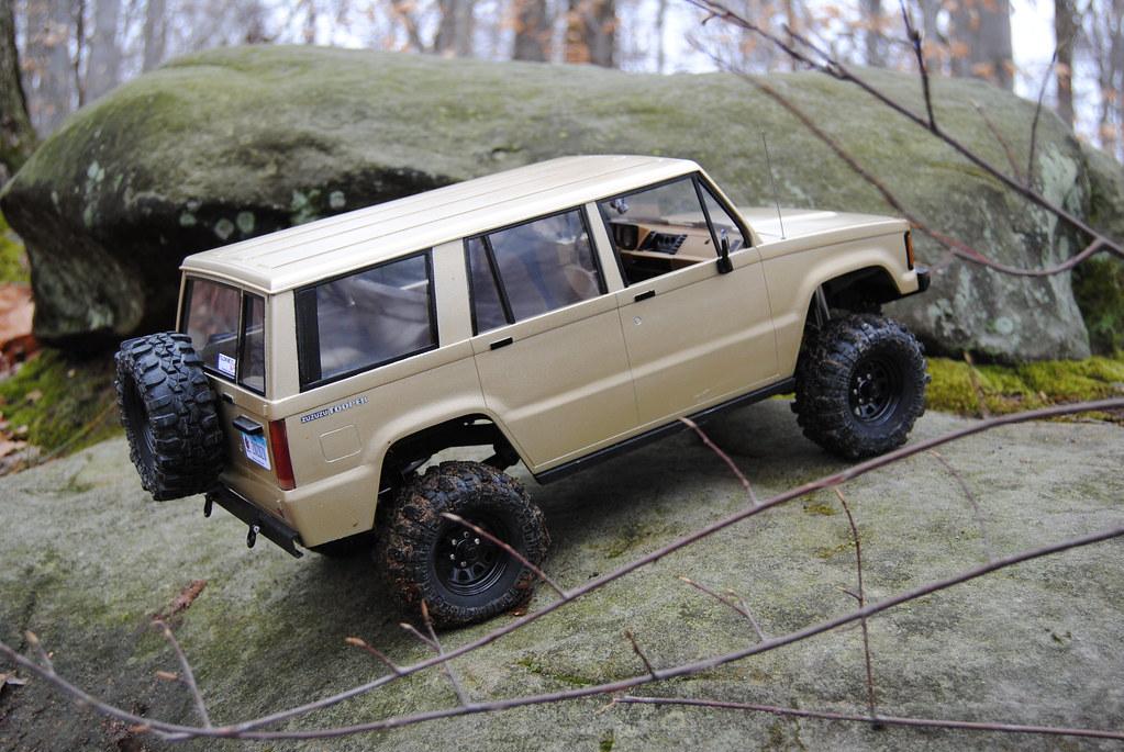 "pardonmyn00b's RC4WD Scaler Build off entry ""SAS'd Isuzu Trooper ..."