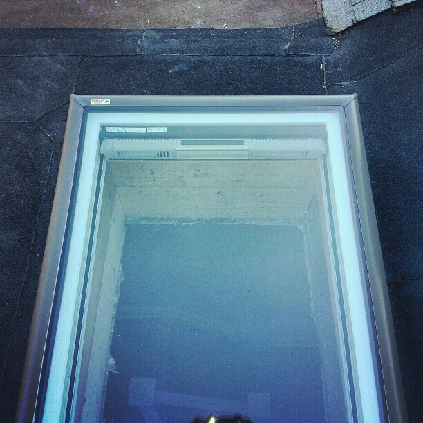 Velux Fcm Fixed Curb Mounted Skylight With Solar Powered