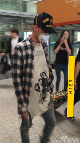 Big Bang - Beijing Airport - 05jun2015 - G-Dragon - mino_nier - 01