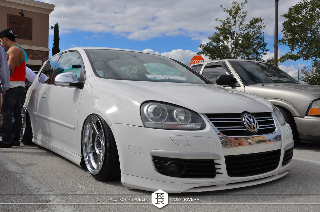 white vw golf gti mk5 shot at simple clean 4 in florida 3pc wheels static airride low slammed coilovers stance stanced hellaflush poke tuck negative postive camber fitment fitted tire stretch laid out hard parked seen on klutch republik