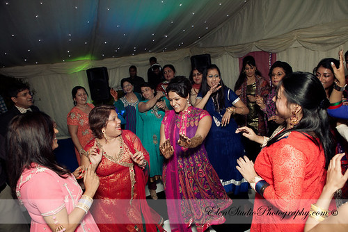 Indian-wedding-photographer-Henna-night-V&A-Elen-Studio-Photograhy-032