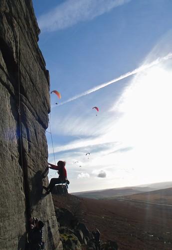 日, 2012-11-18 13:01 - Anonymous climber on Right Unconquerable.