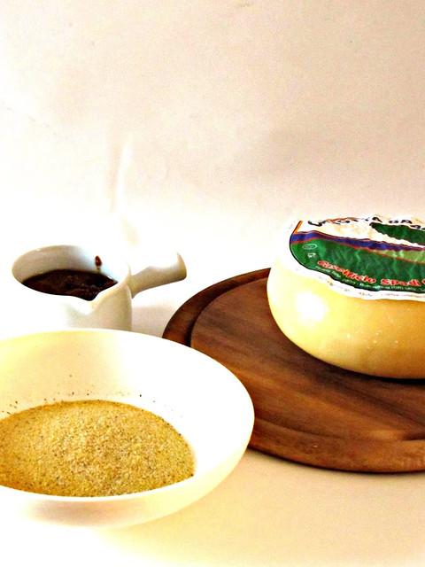 Polenta Taragna con Caciotta e Sugo d'Arrosto