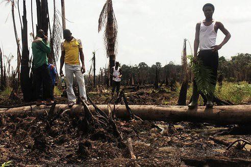 Разлив нефти в Нигерии простирается на 35 километров - виновата ExxonMobil