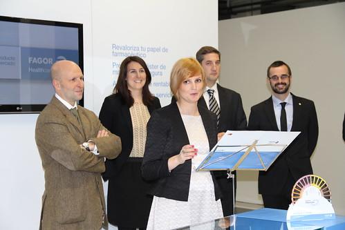Jana Pescador, directora comercial, y el resto del equipo de Fagor Healthcare.