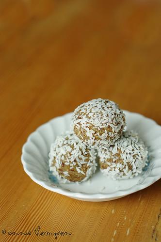Cashew Cardamom Balls