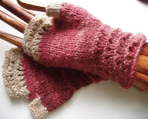 feather 'n fan mitts