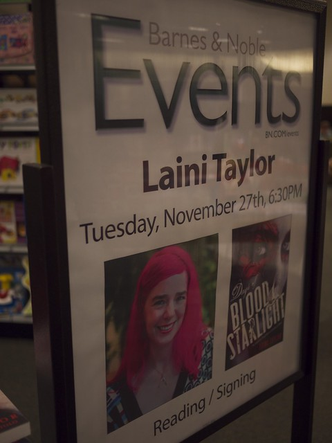 Laini Taylor at BN - on Clear Eyes, Full Shelves