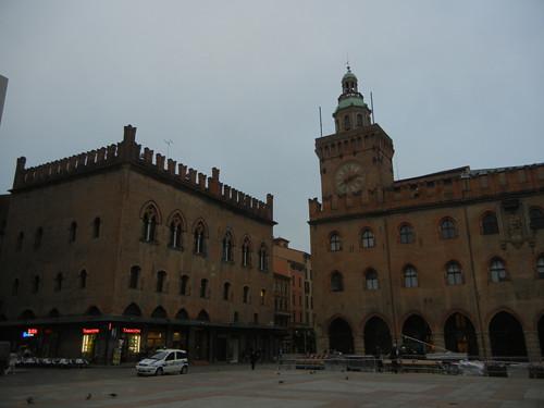 DSCN4427 _ Palazzo D'Accursio (Palazzo Comunale), Piazza Maggiore, Bologna, 18 October