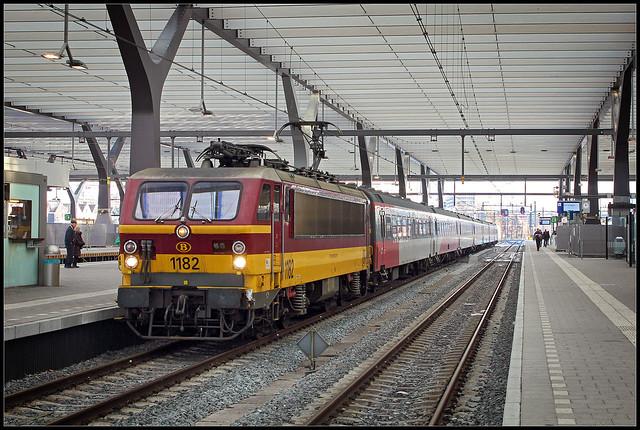 20121208 NMBS 1182 met PRIO-stam in Rotterdam