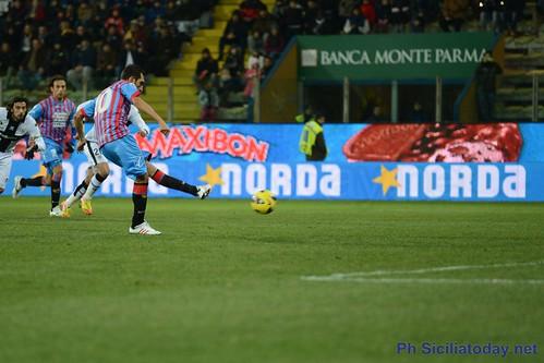 Calcio, Parma-Catania 4-5 dcr$
