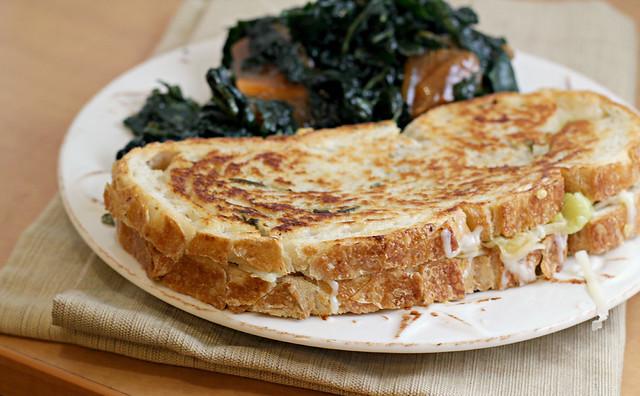 Apple, Leek and Gruyere Grilled Cheese   Joanne Eats Well ...