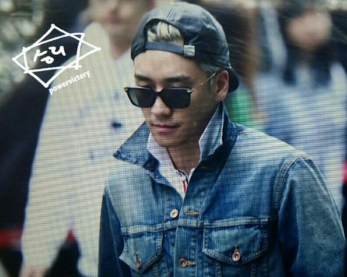 Big Bang - KBS Music Bank - 15may2015 - Seung Ri - Power Victory - 04