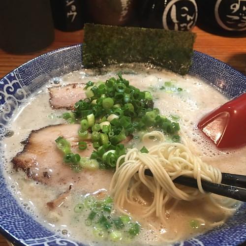 マゲチン君と豚骨ラーメン!! #ramen #japan #japanesefood