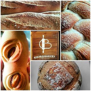 @Regrann from @bistrobakery  -  A partir de las 2 : 30 pm mini #pandejamon, cachitos de jamón, mini pan de queso, #OréganoyParmesano, trenzas azucaradas,  pan de guayaba,  café y merengadas. #Regrann