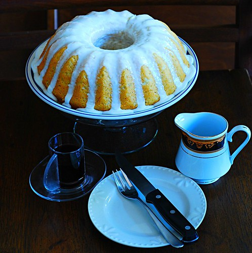 Banana buttermilk cake with lemon glaze