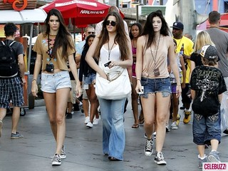 Kendall and Kylie Jenner Converse Celebrity Style Women's Fashion
