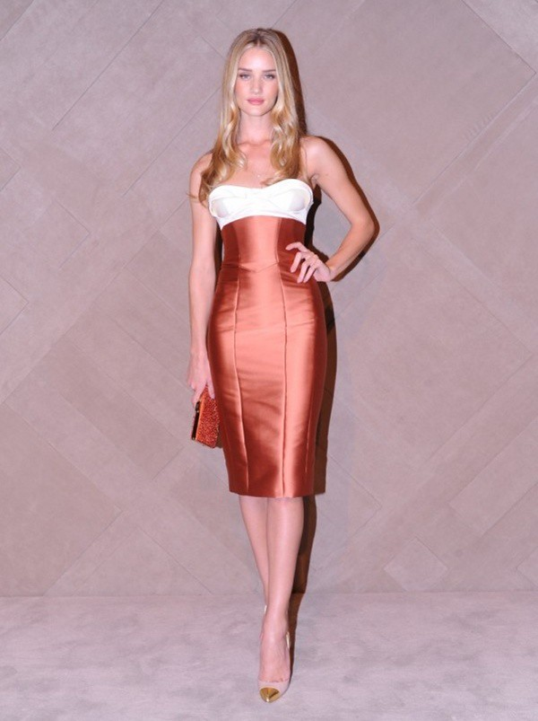 8 Rosie Huntington-Whiteley at the Burberry event in Pacific Place Hong Kong2