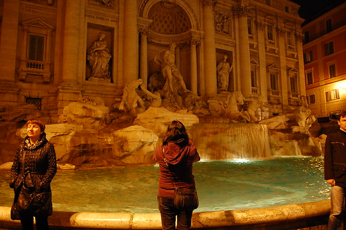 Marisa takes a picture of Trevi
