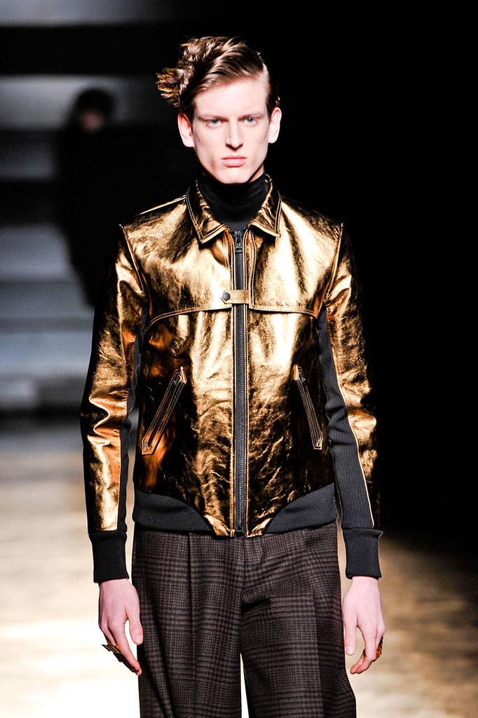 Stefan Lankreijer3017_FW12 Paris John Lawrence Sullivan(fashionising.com)