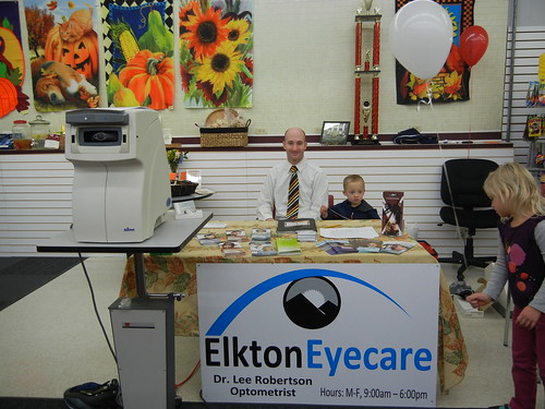 Nov 10 2012 Lee and Elden Shanna health fair