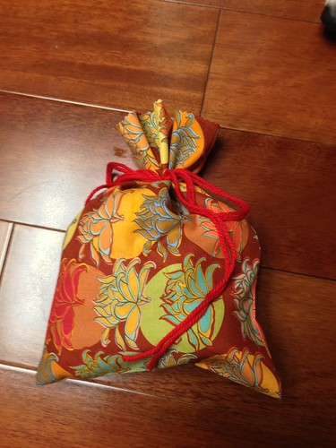 5 minute bag with yarn tie