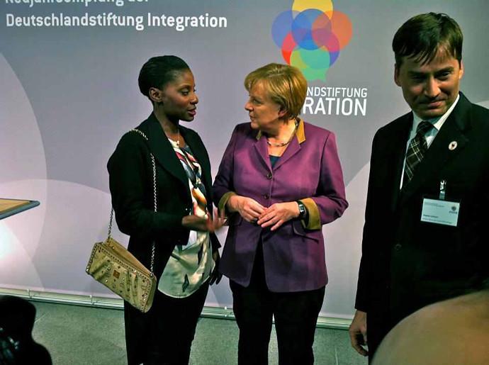 Nikeata_Thomson_angela Merkel