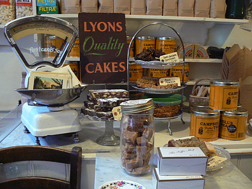 Lyons Quality Cakes.jpg