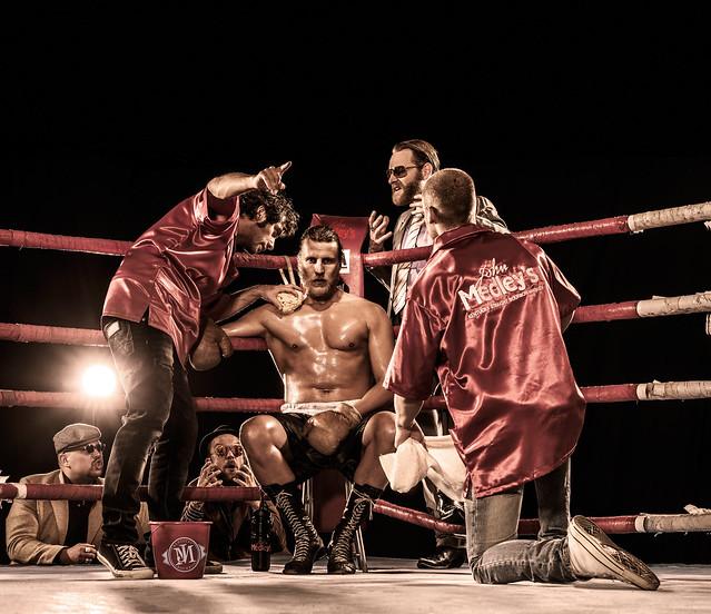Night of the raging bulls freizeitboxer im kf um den