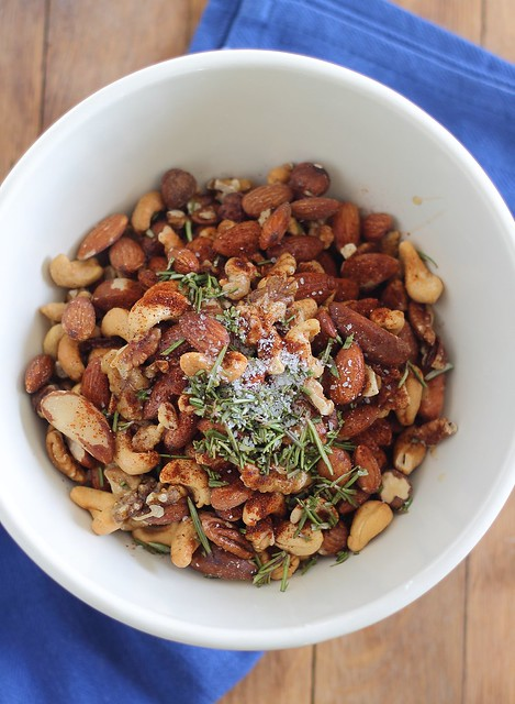 spiced nuts, candied nuts, rosemary nuts, sugar free nuts, mixed nuts recipe, maple rosemary nuts, gina matsoukas, running to the kithen, healthy holiday recipes, healthy holiday party recipes, healthy appetizers, healthy hor d'ouvres, healthy cocktail party, clean eating cocktail party