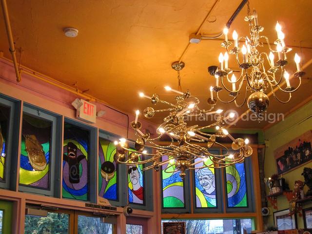 Portland/Voodoo Doughnuts interior