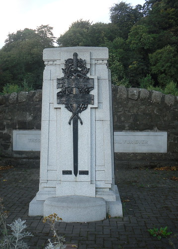 Causewayhead War Memorial, Stirling