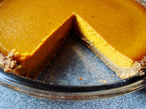 Ginger Not-Pumpkin Pie with Graham Crust: Neat First Slice
