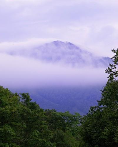 morning cambridge mountains green fog clouds sunrise dawn vermont purple unitedstates peak telephoto summit vt daybreak greenmountains smugglersnotch