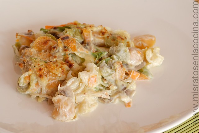 Pasta con verdura y queso azul