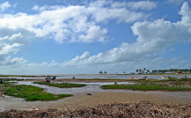 Pirambú: laguna e restinga