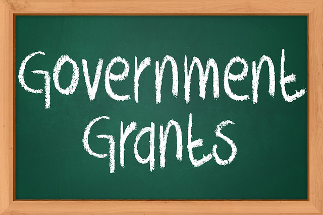 federal grants Federal grants and funding alternatives for fire departments that can help pay for expenses such as equipment, apparatus, training and salaries.
