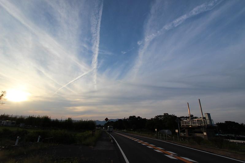 琵琶湖沿いの道