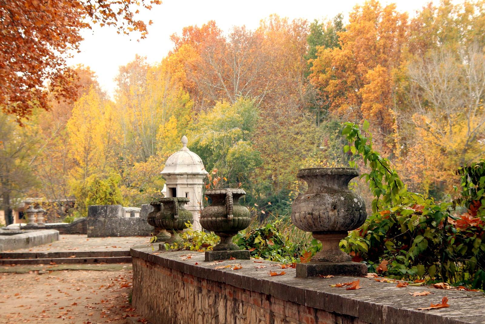 Jardines de el bosque en b jar salamanca jardines for Jardines romanticos